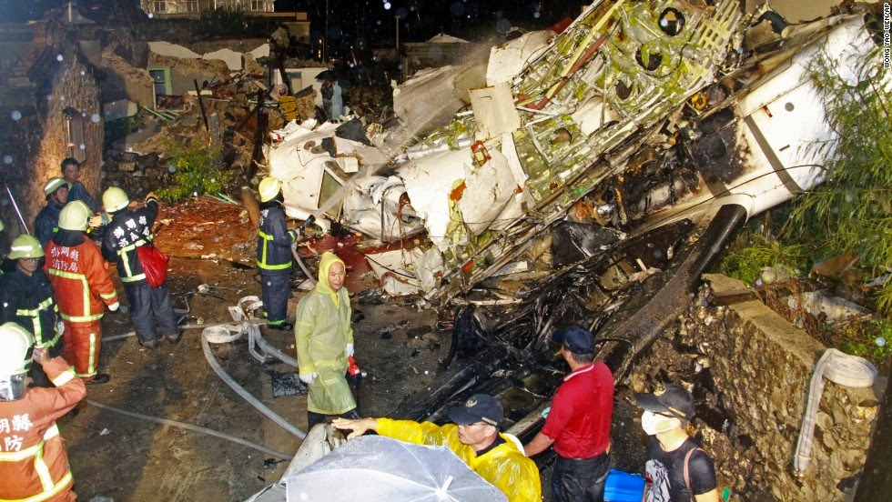 http://www.gossiplanka-hotnews.com/2014/07/plane-crash-of-taiwan.html