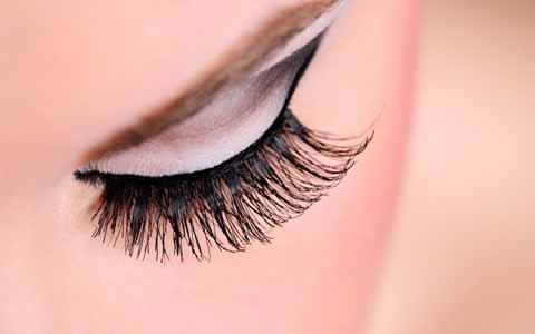 Pandangan Islam Mengenai Pemakaian Bulu Mata Palsu