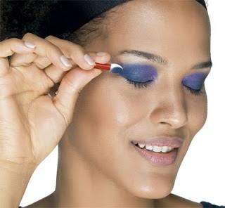 dicas de maquiagem passo a passo para mulheres com pele negra e morena festa junina