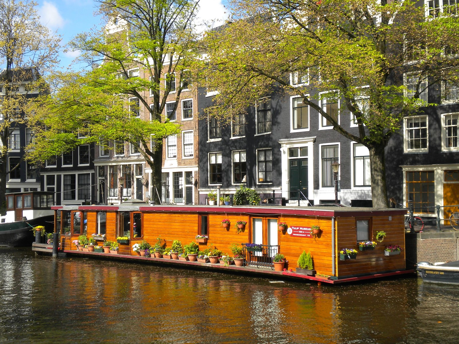 Gypsy caravan essentials dream house tour for Houseboat amsterdam