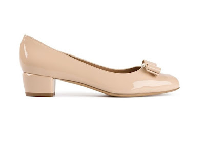 Salvatore Ferragamo Nude low heeled pumps with bows