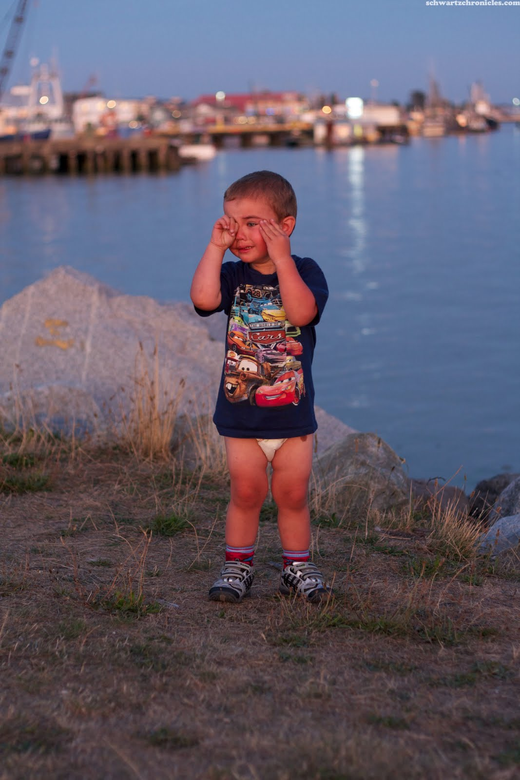 Toddlers Wearing Diapers http://www.schwartzchronicles.com/2011/09/sunset-with-kids.html