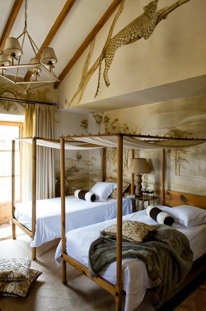 camas individuales con dosel