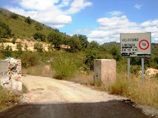 RUTA AL CHORRO DE VALDESOTO (GUADALAJARA) Chorrera%2Bde%2BValdesoto-Guadalajara%2B%25284%2529