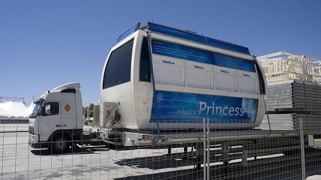 la-noria-de-malaga-trailers-montaje-instalacion-en-el-puerto-mirador-princess