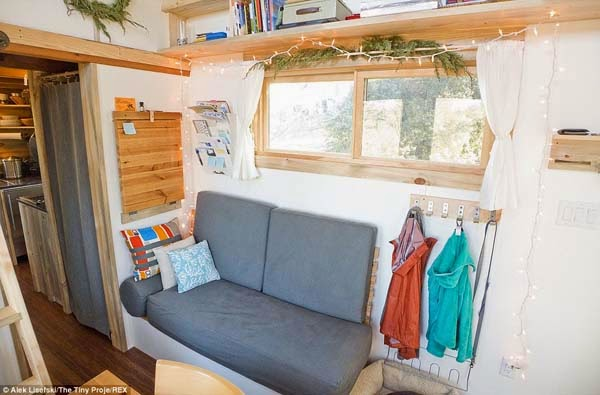 The little nooks and design of the house doesn't make it seem cramped.