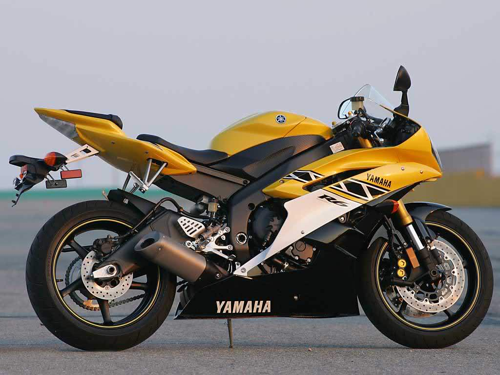 latest honda suzuki yamaha and kawasaki heavy bikes hd wallpapers
