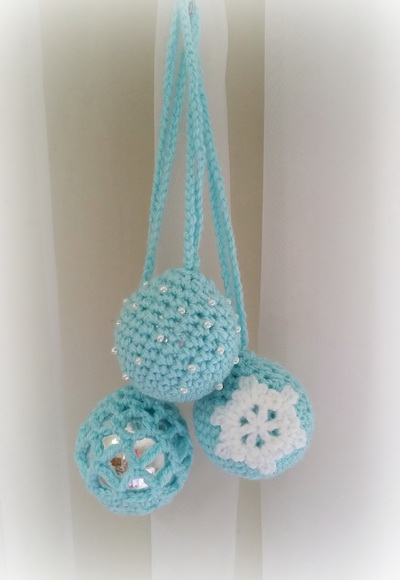 Sunshine And A Sewing Basket Frozen Christmas Baubles