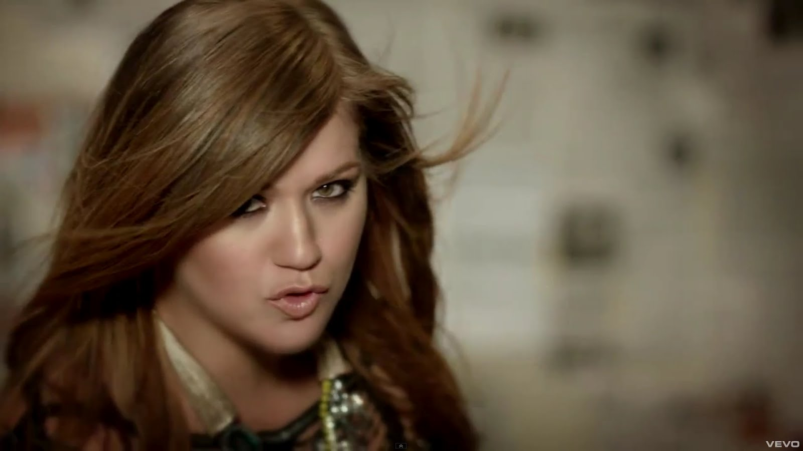 http://2.bp.blogspot.com/-w6NwjwUjT18/T4W2pk4A9_I/AAAAAAAABAc/_QpEslDjpyg/s1600/kelly-Clarkson-Mr-Know-It-All.jpg