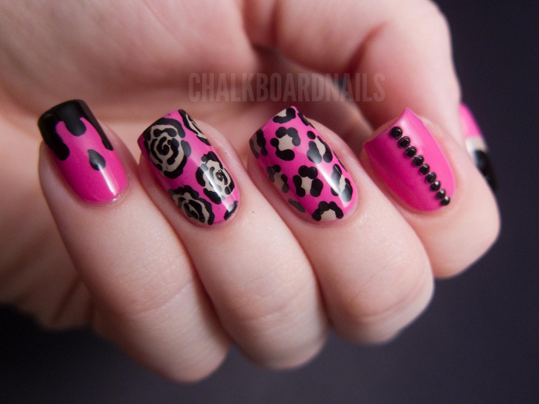 Minnie-mani No. 1: Betsey Style | Chalkboard Nails | Nail Art Blog
