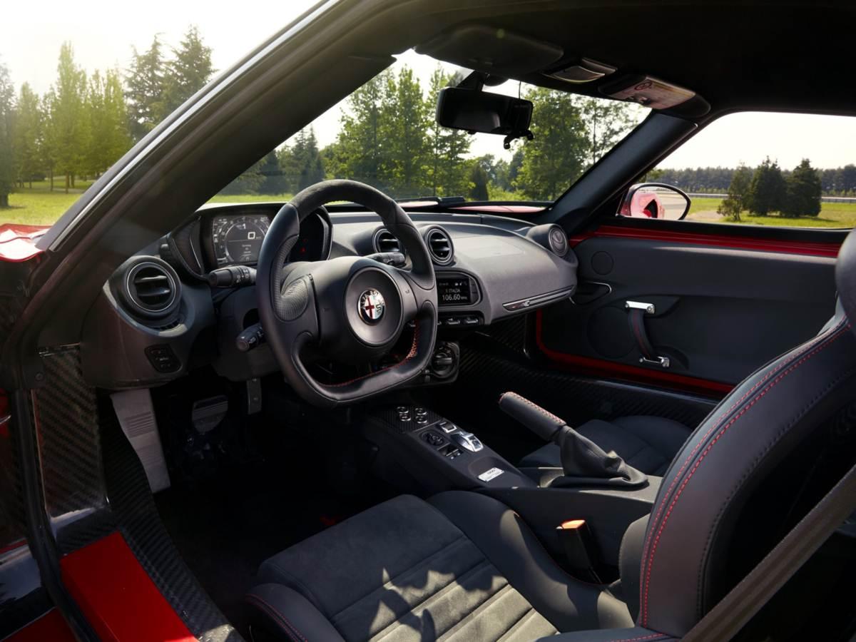 Alfa Romeo 4C - interior