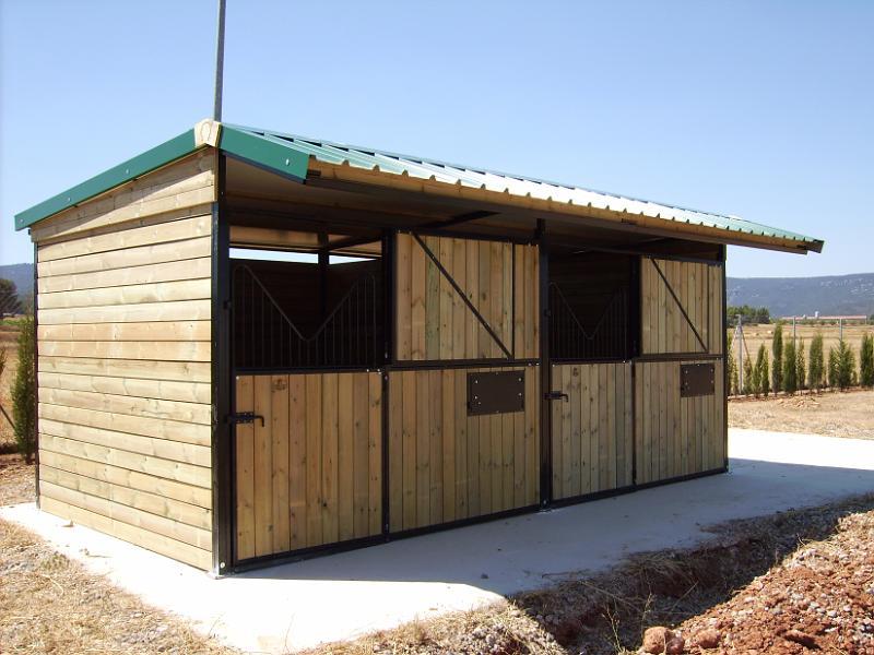 Cuadras prefabricadas de madera - Prefabricados de madera ...