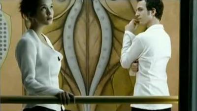 Extrait du clip 'En apesanteur' de Calogero
