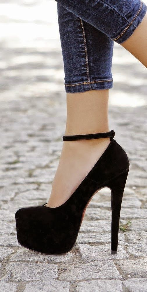 SEE MORE Gorgeous black high heel shoes fashion