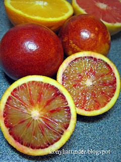 blood-oranges-cut-in-half
