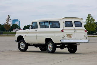 1966 Chevrolet Suburban white