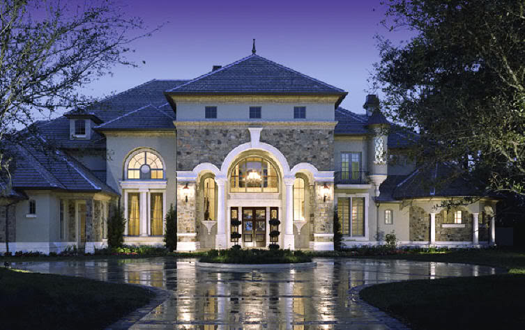 Mansion House With A Classic Design Home Design