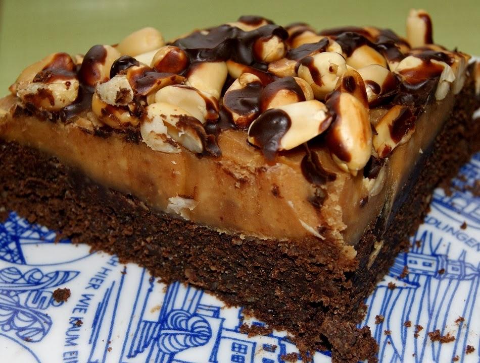Torcik brownie z mascarpone i masłem orzechowym