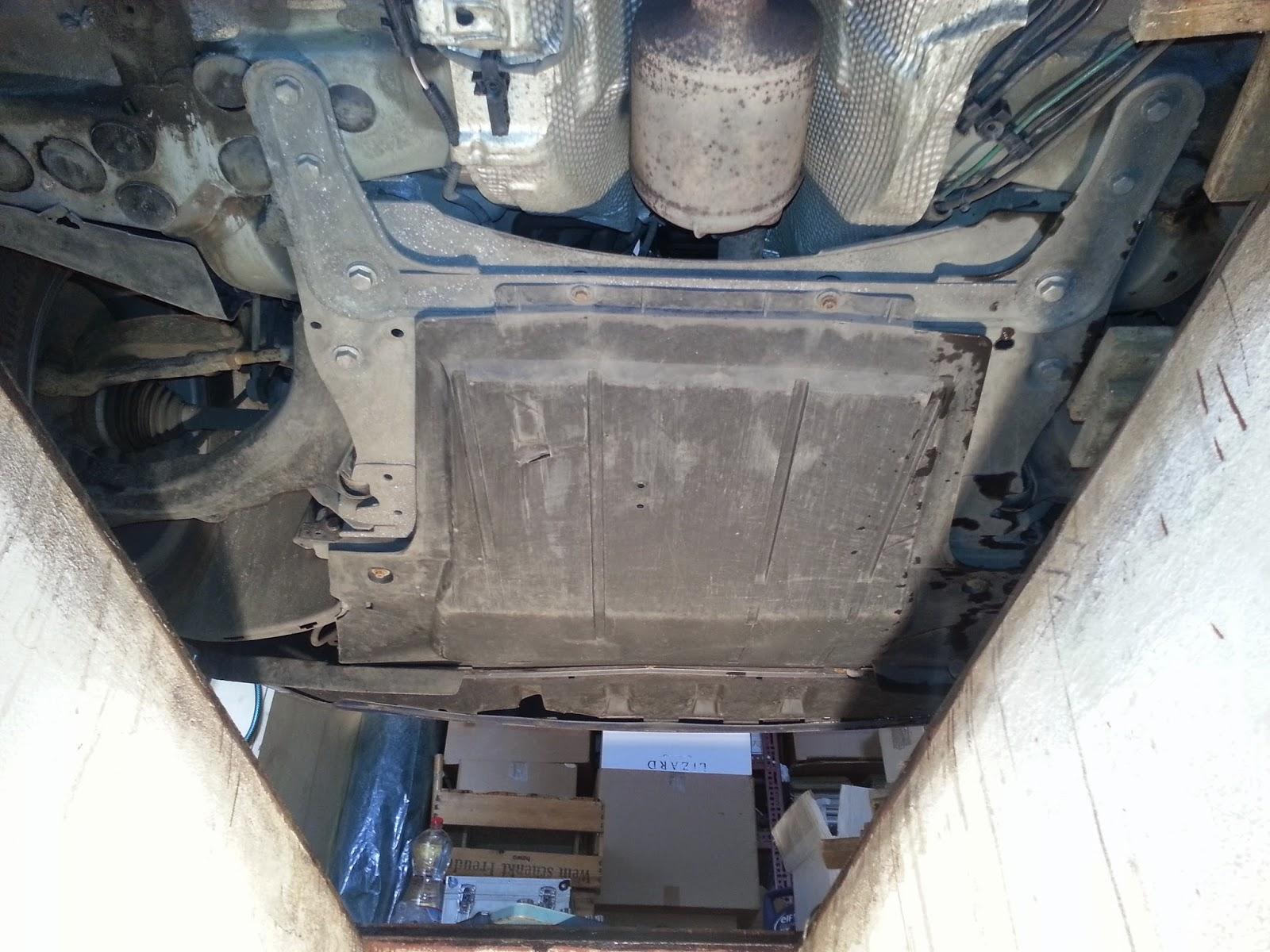 Osłona silnika Megane II