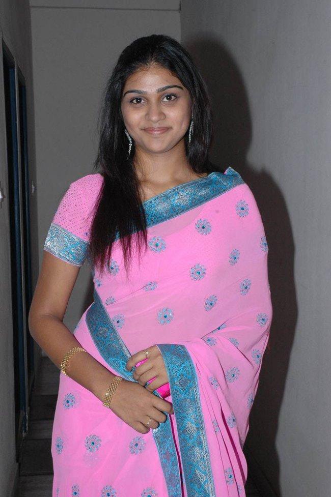 Kamapichachi Telugu Heroine Photos W | apexwallpapers.com