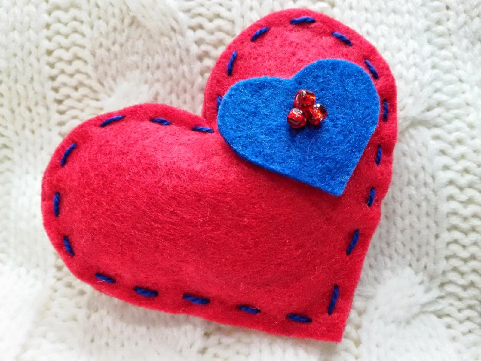 Mis manualidades más bonitas : Corazones de fieltro para San Valentín
