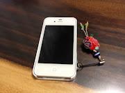 ヨメさんのiPhone購入を機会にストラップ対応のiPhoneケースを探していたのです .