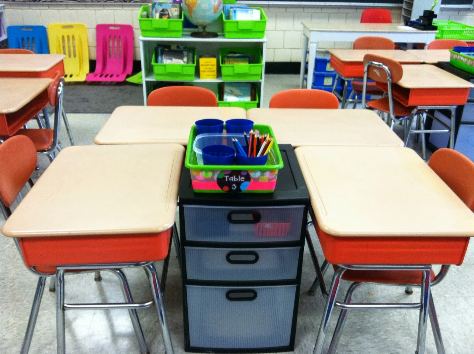 Classroom Workstation Ideas ~ The teacher s chair i m back and with a frenzy of freebies
