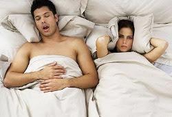 desconforto casal dormindo juntos namorar ou ficar solteiro
