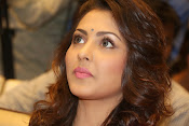 Madhu Shalini gorgeous looking photos-thumbnail-20