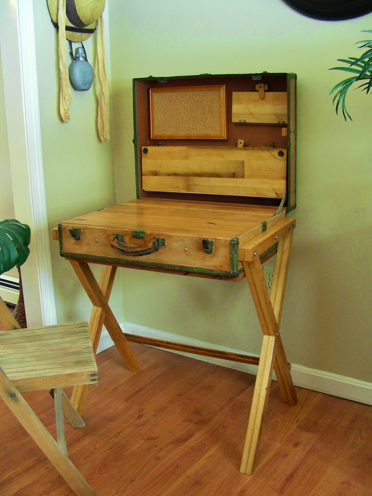 Upcycled & Repurposed Stuff: Extreme Upcycle: The Suitcase Desk. Full resolution  photograph, nominally Width 1200 Height 1600 pixels, photograph with #7D461C.