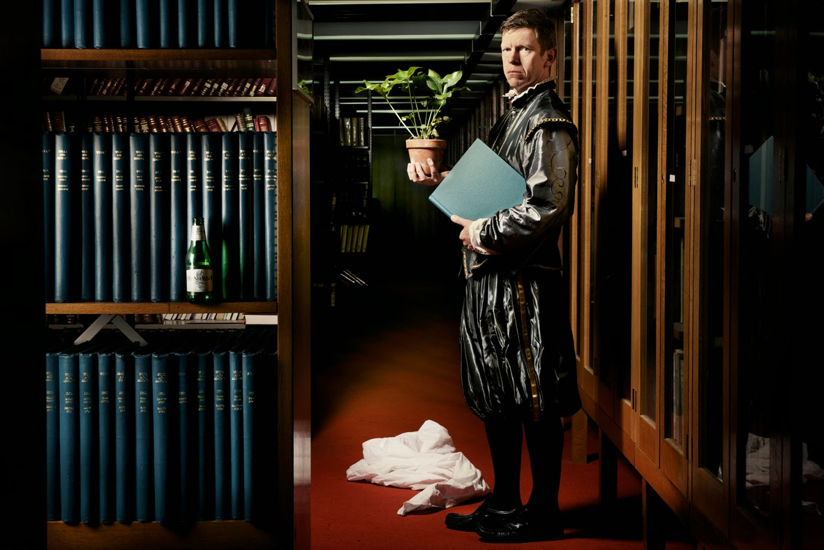 The Anatomy Of Melancholy Ovalhouse Review Everything Theatre