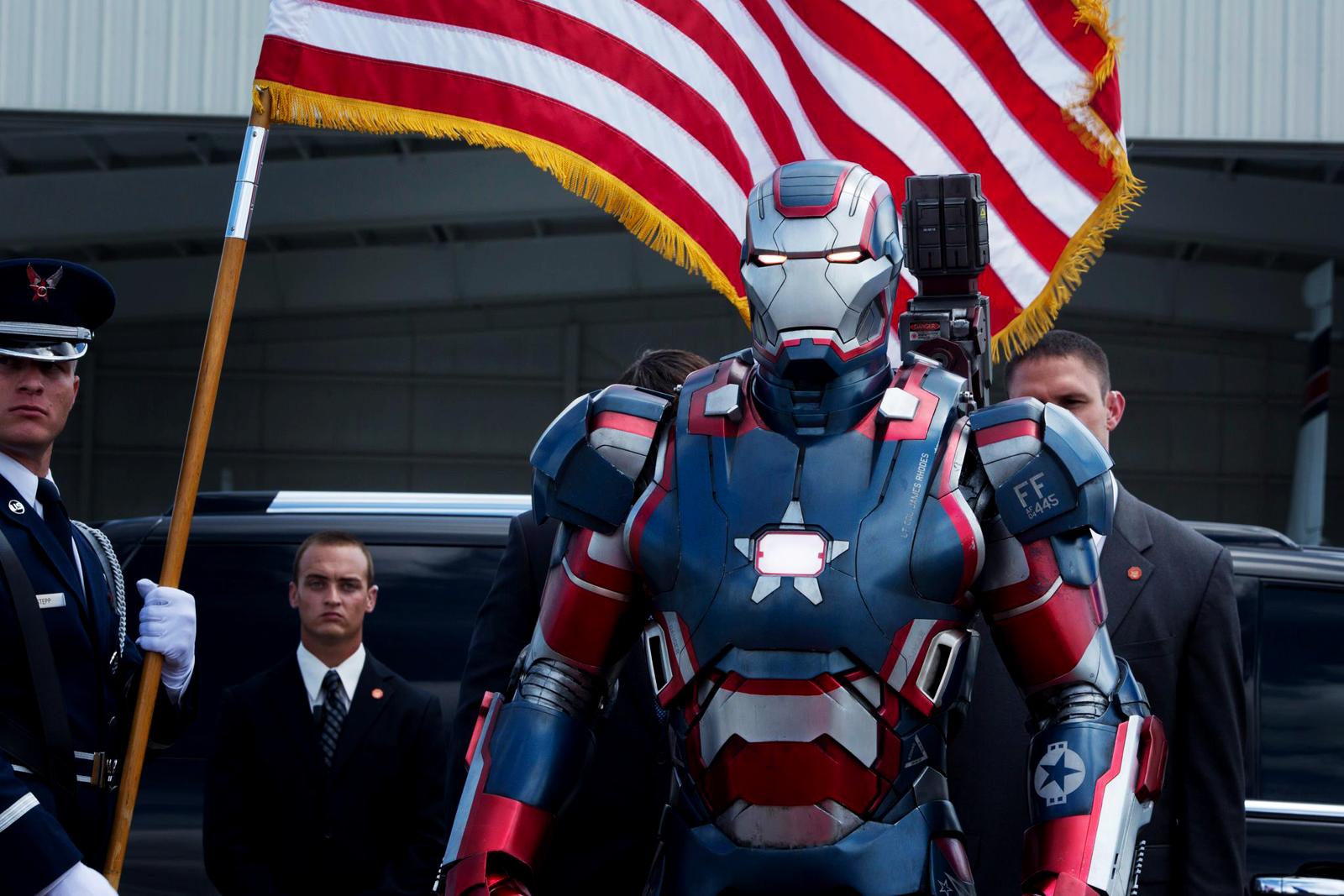http://2.bp.blogspot.com/-w9XJUAicN-Y/UXXqMD56v9I/AAAAAAAABuU/YKv7n65tga8/s1600/Iron-Man-3-2013-New-Movie-HD-Wallpaper.jpg