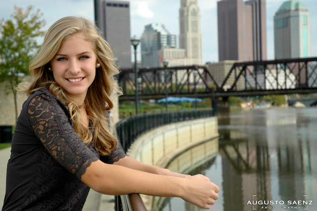 Senior Pictures of Olivia with Skyline of Columbus, OH