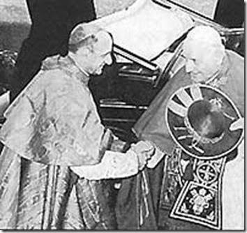 Tras las reiteradas masacres de sacerdotes al otro lado del Telón de Acero a causa de las filtraciones a la URSS de Monseñor Alighiero Tondi SJ, Secretario Personal de Monseñor Montini (Secretario de Estado bajo Pío XII), San Juan XXIII, el Papa Bueno, contraviniendo órdenes expresas de Pío XII, creó cardenal en el primer consistorio de su pontificado a Monseñor Montini