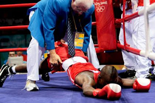 funny picture  boxer falling knock out