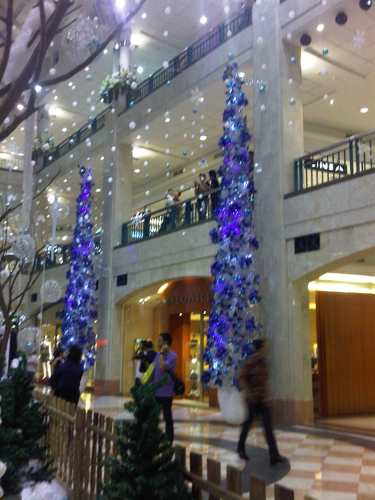 My journey, : Christmas decorations at the mall, South Jakarta 2011
