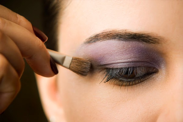 How to make eye-shadow alst longer with Vaseline