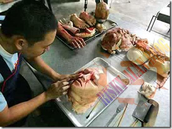 Inilah Replika Roti Daging Manusia Yang Halal Di Makan [ www.BlogApaAja.com ]
