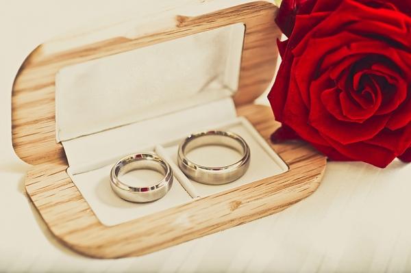f4d7259153c A escolha do modelo das alianças de casamento