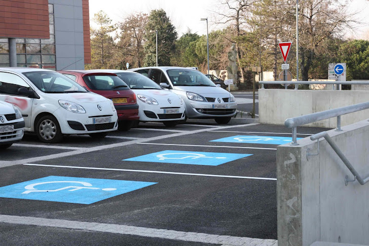 "Les places de parking ""handicapés"""