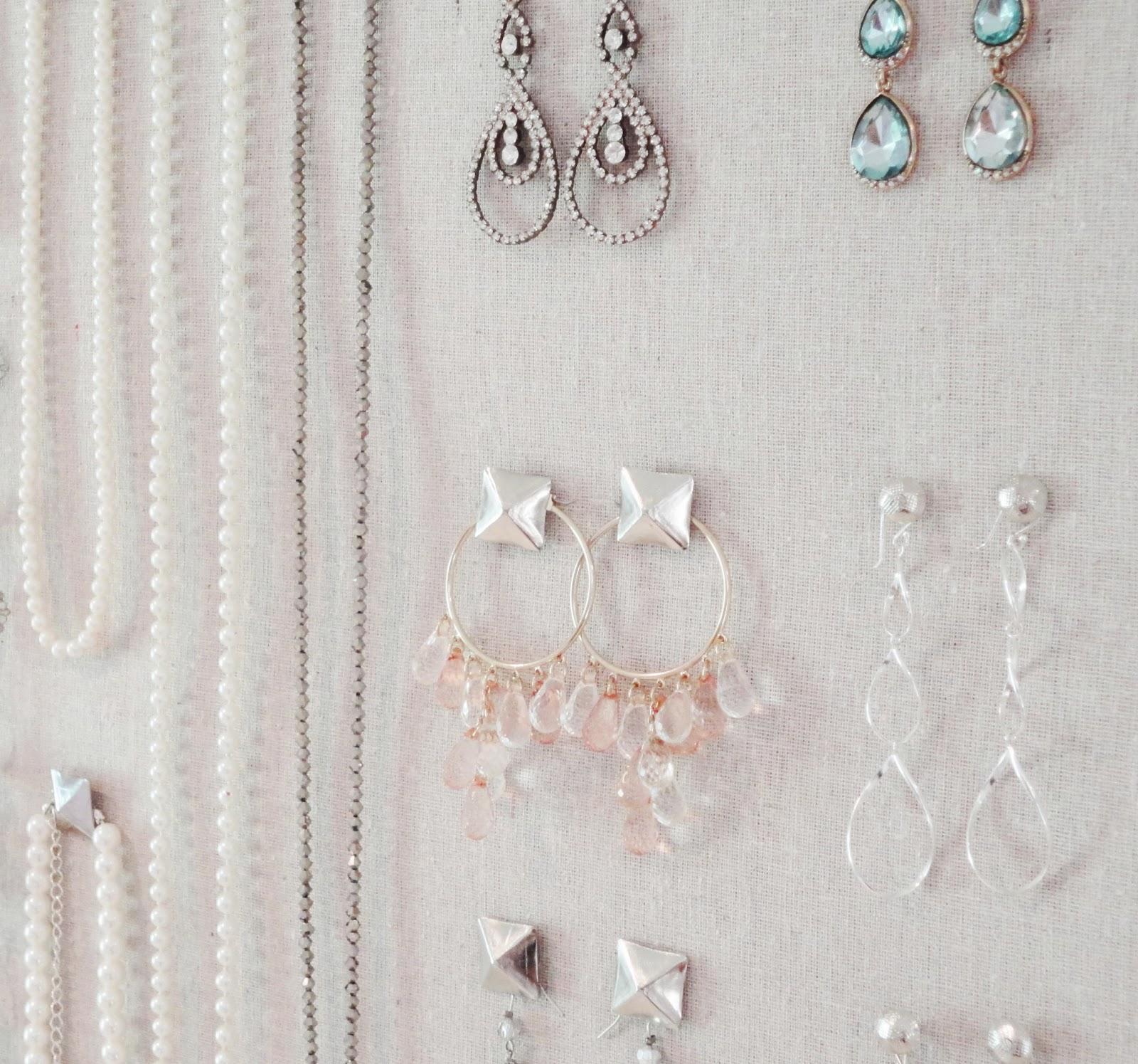 LiveLoveDIY DIY Corkboard Jewelry Organizer