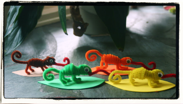 "easy crafts for kids: chameleon pipe cleaner animals – ""a color of his own"" activity"