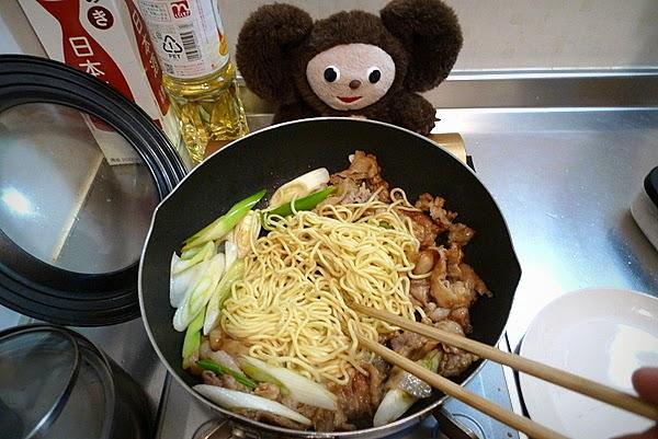 豚肉の焼きそばの作り方(2)