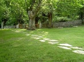 El maestro de obras xavier valderas la construccion de for Jardines con pasto y piedras