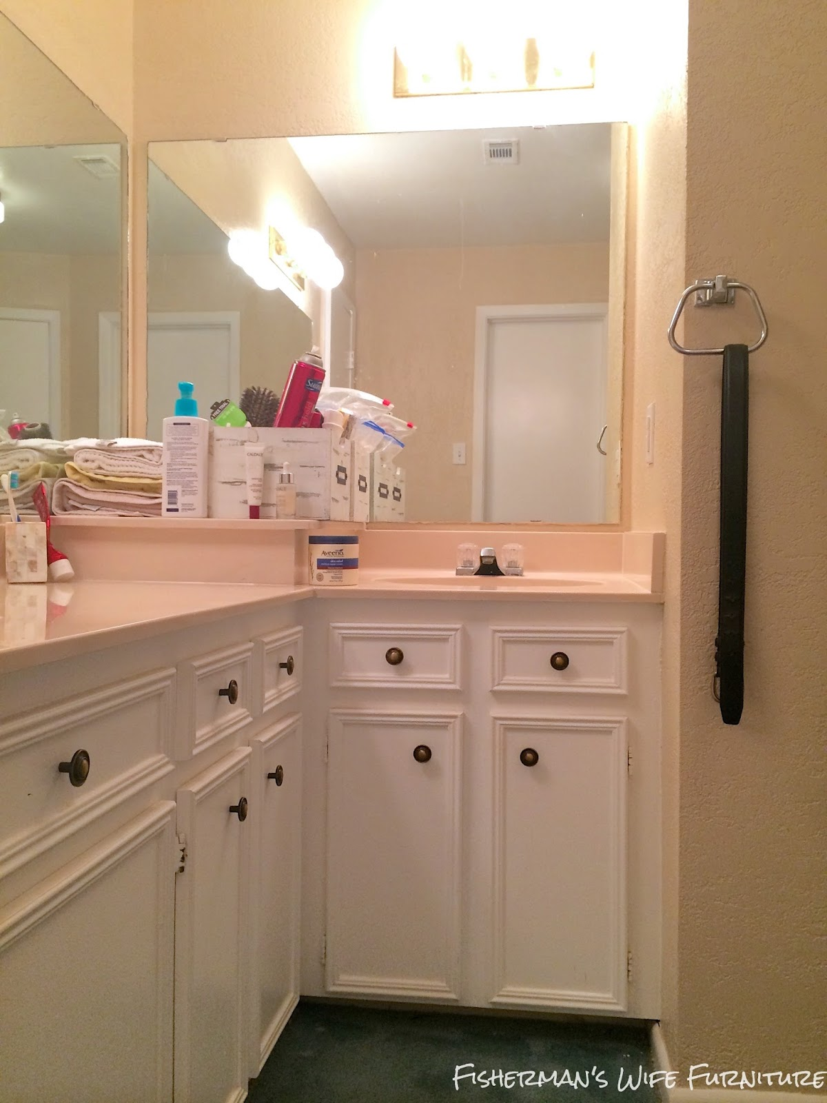 I Hate The Awkward Lshaped Vanity We Don't Even Use The Sink Shoved In  The Corner The Blow Dryer Usually Lives In That Sink