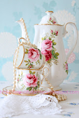 Royal Albert American Beauty