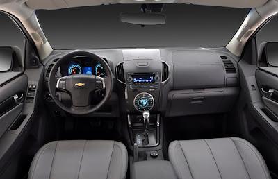 Nova S10 2012 - Interior