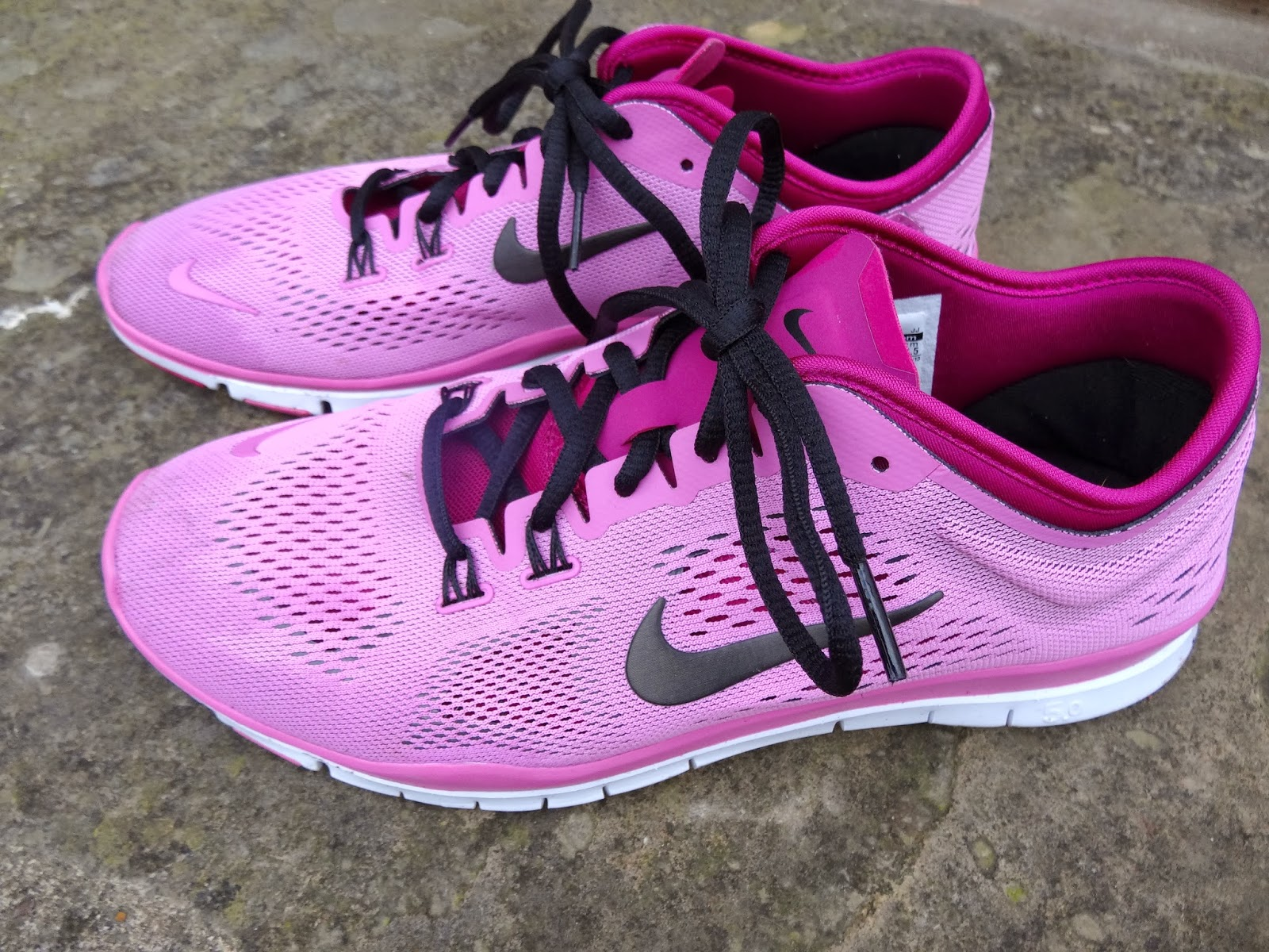 ... without laces. while you; new in the nike free runs