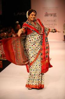 Kirron Kher the show stopper for Gaurang Shah @ LFW 2013