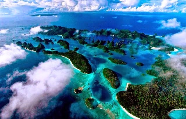 Indonesia (Negara dengan Ribuan Pulau)